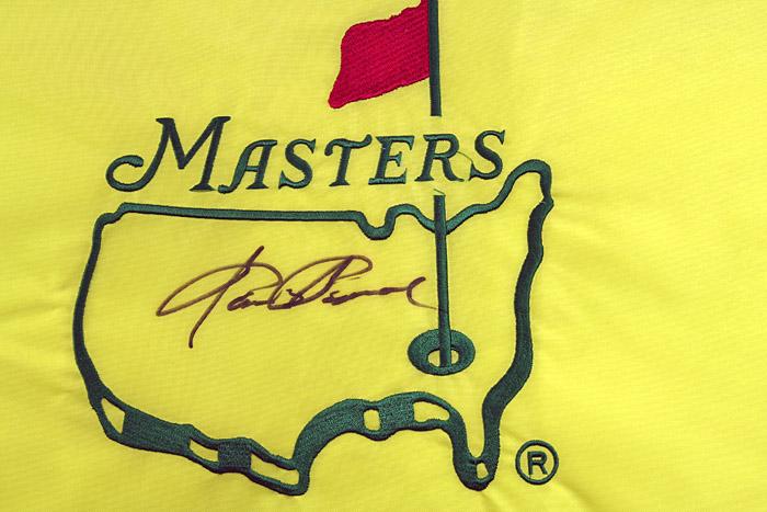 Sam Snead signed undated Masters flag.